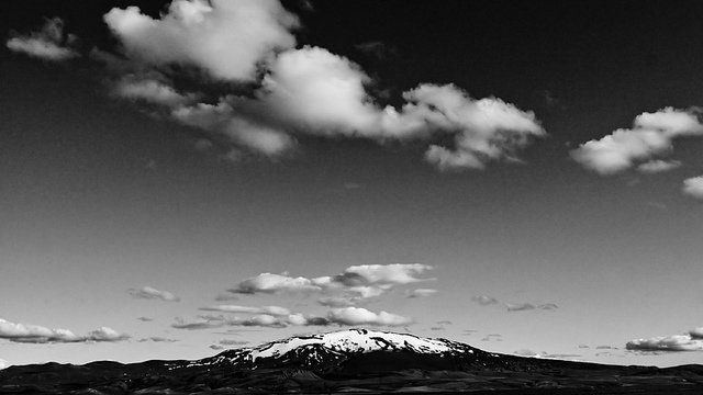 Vulcanii islandezi: cine se incumeta? Hekla