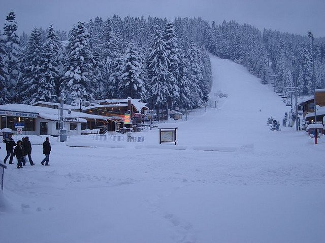 7 destinatii ieftine de schi in Europa borovets