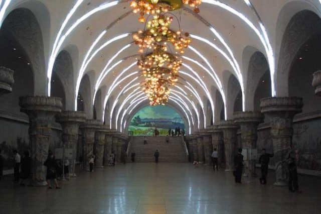 Cele mai tari 11 metrouri din lume coreea de nord