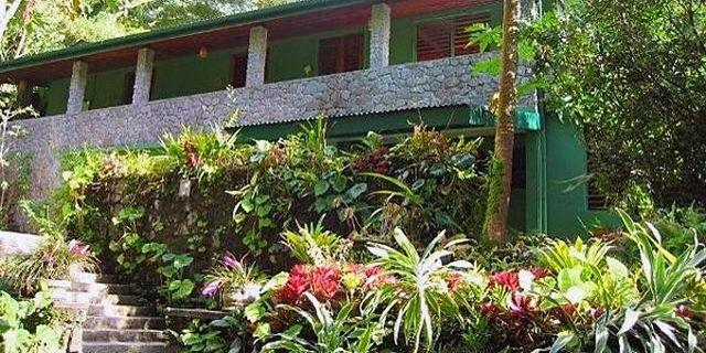3 hoteluri de vis din Caraibe papillote