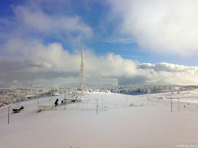 7 destinatii ieftine de schi in Europa semenic