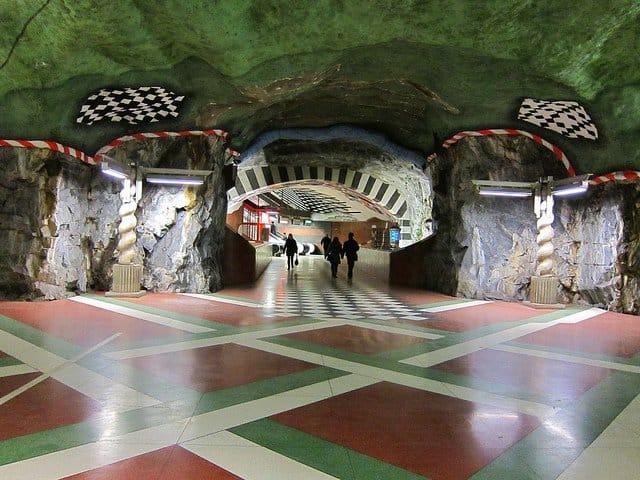 Cele mai tari 11 metrouri din lume stockholm