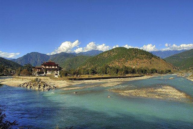 Cele mai sigure 10 tari din lume bhutan1