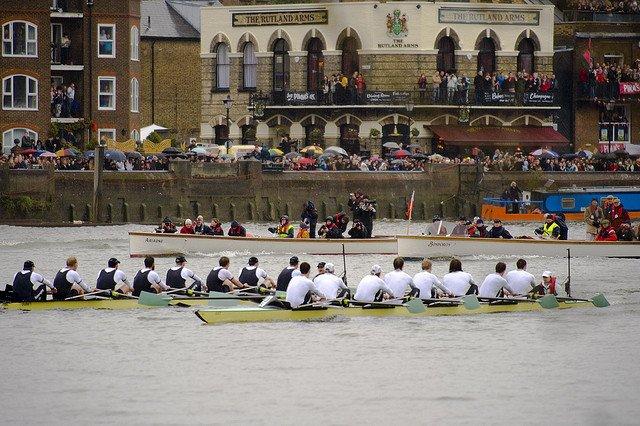 5 motive pentru a vizita Londra in 2011 boat race