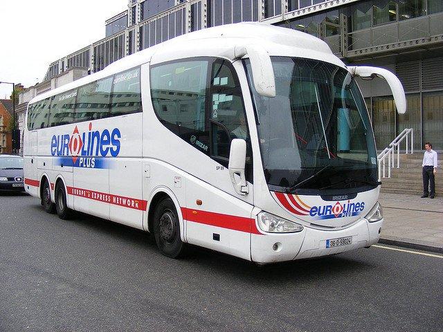 De la Londra la Paris cu numai 15 lire bus