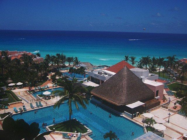 10 destinatii de vis, departe de iarna cancun