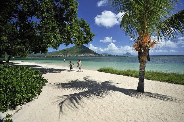 10 destinatii de vis, departe de iarna mauritius