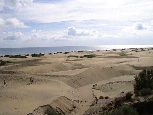 10 destinatii de vis, departe de iarna playa del ingles1