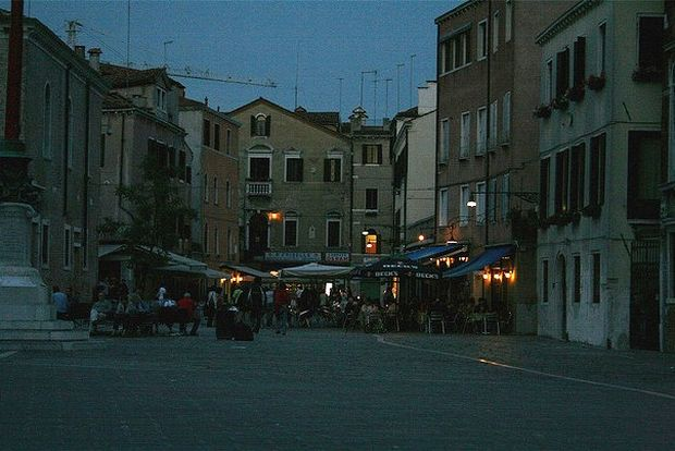 Viata de noapte in Venetia campo santa margherita