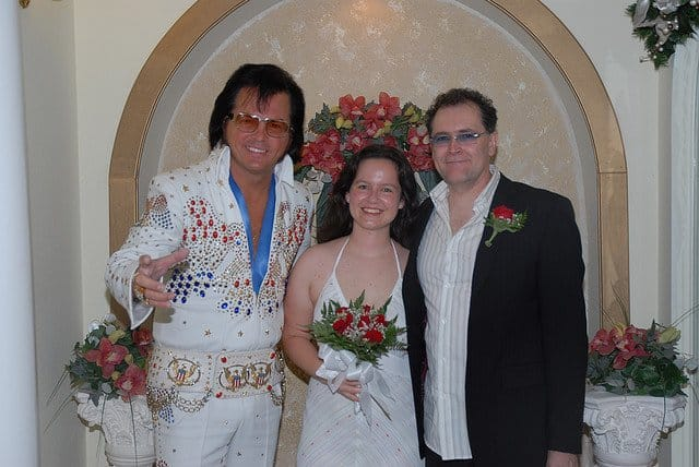 Vrei sa te casatoresti in Las Vegas? elvis nunta