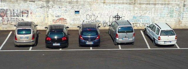 Reguli de sofat in Italia parcare italia
