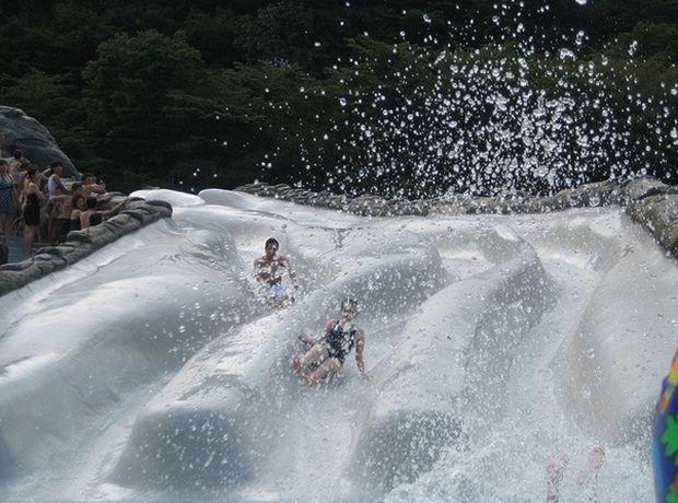 Hakone: Yunessun Spa Resort – baie fierbinte in vin si sake rodeo