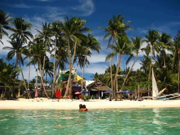 Cele mai bune 25 plaje din lume boracay1
