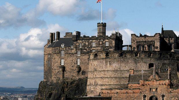 5 orase perfecte pentru iubitorii de castele Edinburgh Castle