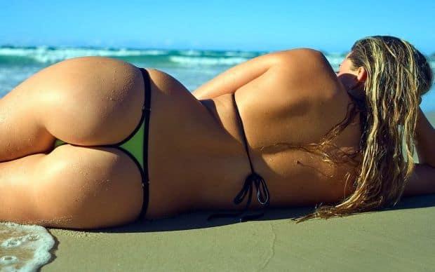 Grecia - o calatorie erotica sexy beach