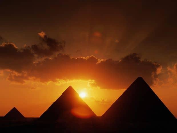 africa 12 locuri minunate de vizitat in Africa piramidele