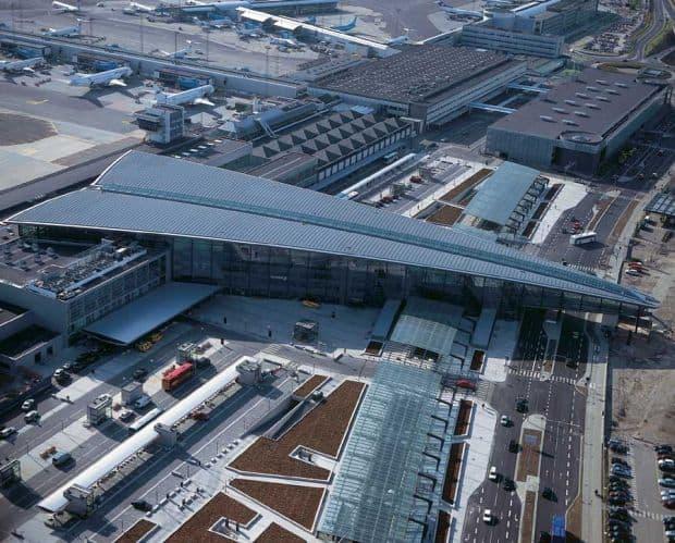 Cum sa ajungi de la aeroportul din Copenhaga in centru copenhagen airport terminal