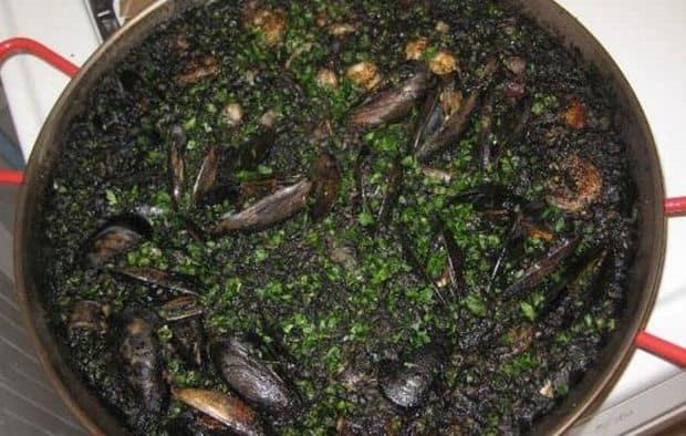 Top 10 tari din punct de vedere gastronomic paella