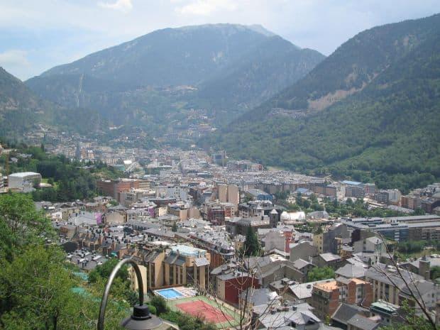 Andorra, perla peninsulei Iberice Andorra la vella