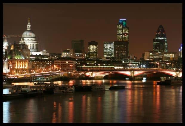 Fotografiaza Londra noaptea! st paul