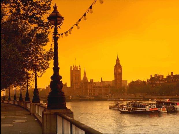 Fotografiaza Londra noaptea! tamisa