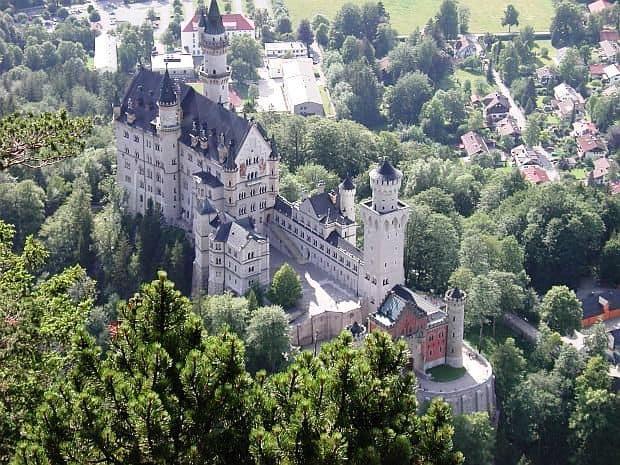 Neuschwanstein: secretul unui castel de poveste Neuschwanstein Castle