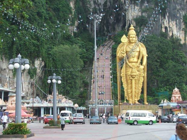 Top 10 locuri de vazut in Malaezia cu bani putini batu