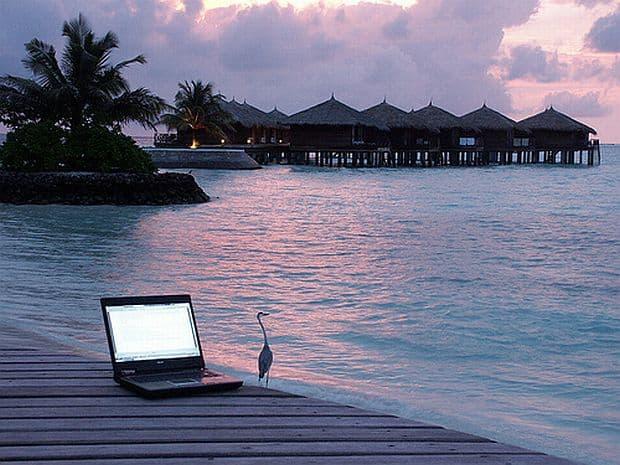 Laptopul ideal pentru vacanta laptop1
