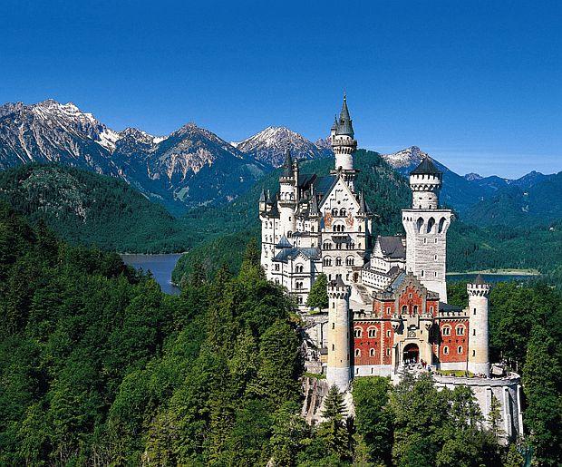 10 dintre cele mai frumoase castele din lume neuschwanstein
