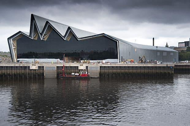 Glasgow, stralucire scotiana riverside