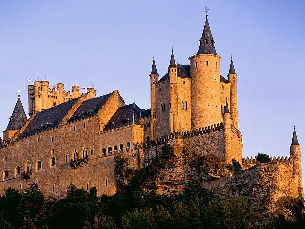 10 dintre cele mai frumoase castele din lume segovia