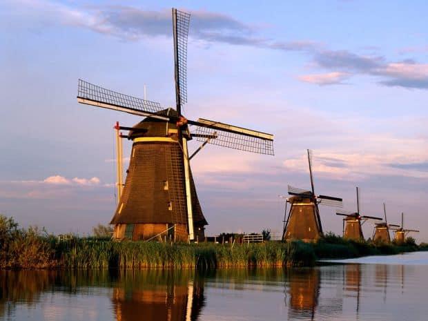 Olanda: cinci locuri pe care sa nu le ratezi Kinderdijk