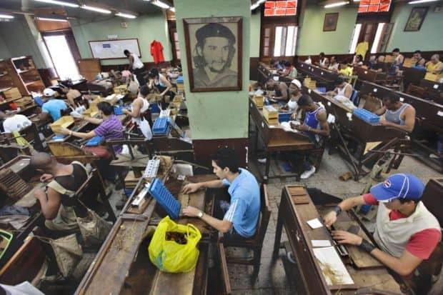Opt locuri spectaculoase de vizitat in Cuba Opt locuri spectaculoase de vizitat in Cuba Partagas Cigar