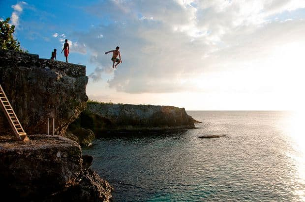 negril Negril, relaxare in soarele jamaican cliff diving