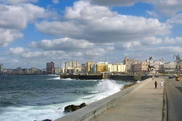 Opt locuri spectaculoase de vizitat in Cuba Opt locuri spectaculoase de vizitat in Cuba malecon