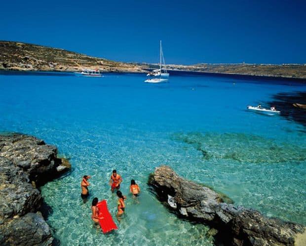 Soare si distractie in Malta Soare si distractie in Malta comino