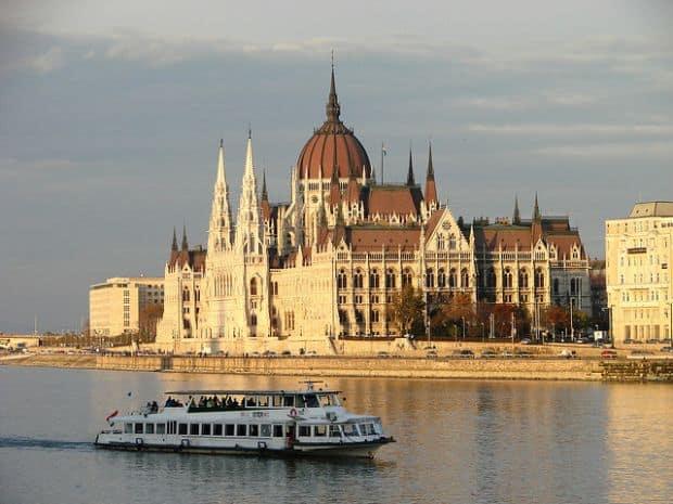 Ponturi de care sa tii cont cand vizitezi Budapesta croaziera1