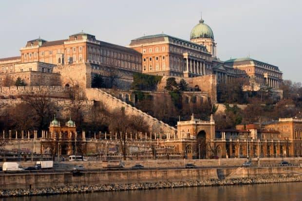 Ponturi de care sa tii cont cand vizitezi Budapesta dealul castelului
