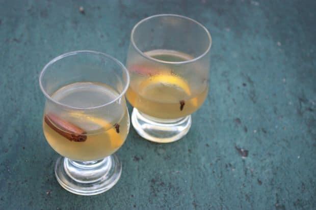 10 bauturi (istorice) pentru sezonul rece 10 bauturi (istorice) pentru sezonul rece hot toddy