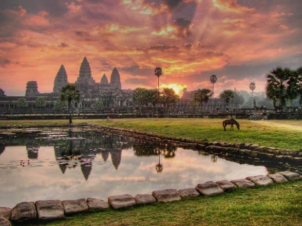 Destinatii romantice in Asia de sud-est Angkor Wat Temple 2