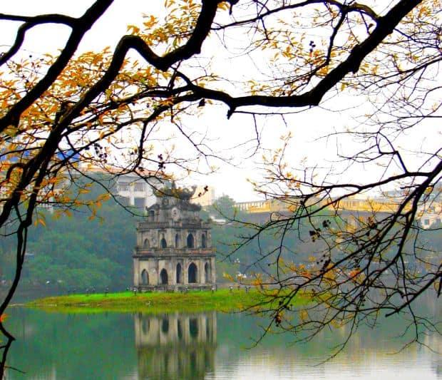 Destinatii romantice in Asia de sud-est Hoan Kiem