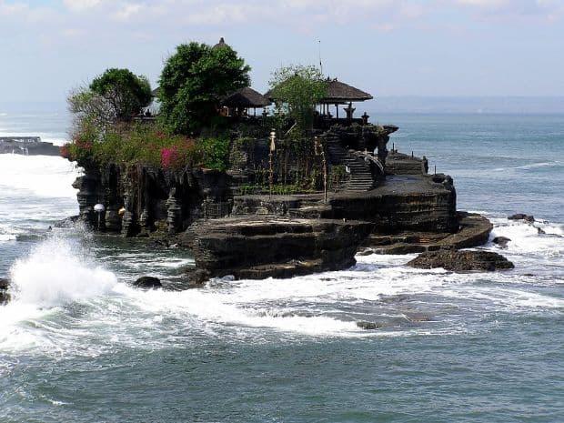 Destinatii romantice in Asia de sud-est Tanah Lot