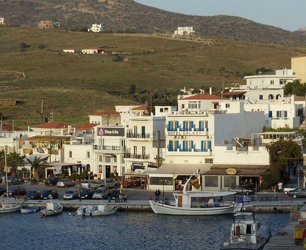 Insulele Greciei: Andros, soare si cultura chora1