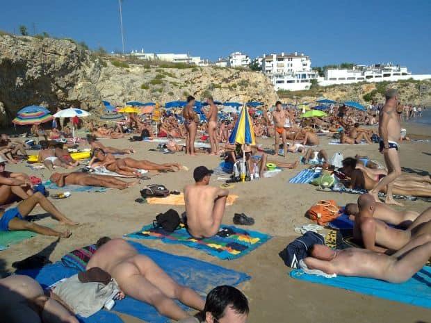 Cele mai bune plaje pentru nudisti din Spania Balmins