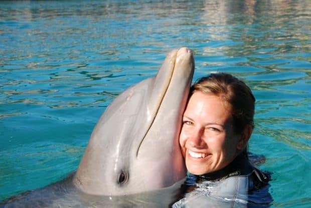 10 destinatii pentru inimile zdrobite Dolphin Therapy