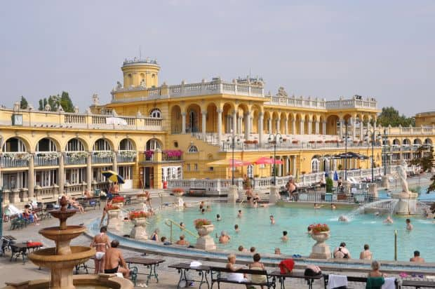 Budapesta si frumusetile ei inexorabile budapesta bai termale