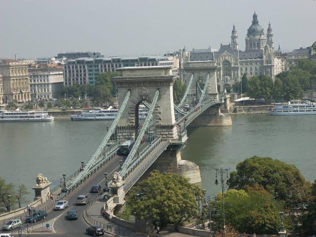 Budapesta si frumusetile ei inexorabile budapesta pod lanturi