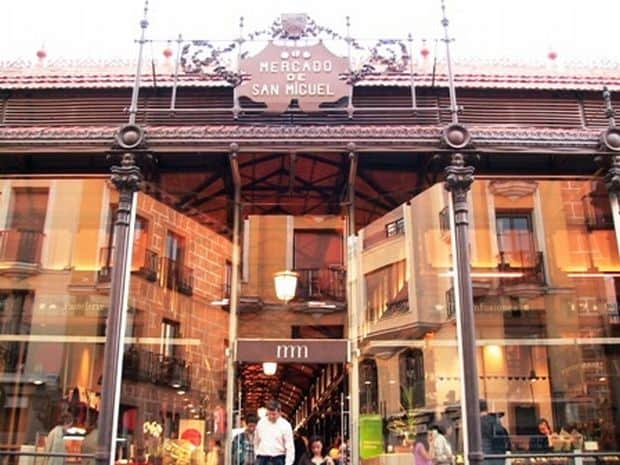 Arta gustarilor tapas in Madrid mercadoentrada