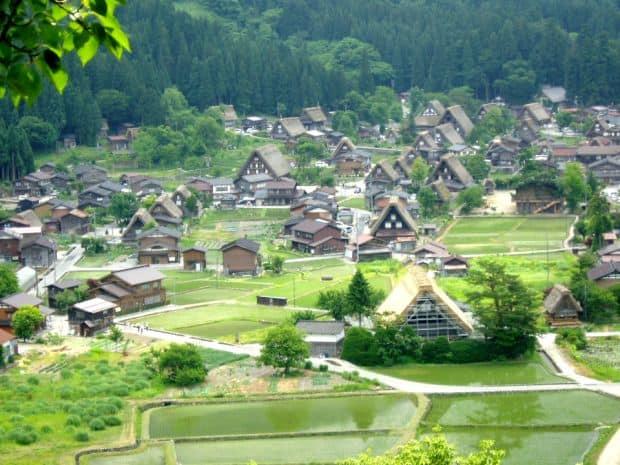 16 orase senzationale de care probabil nu ai auzit (2) Shirakawa go