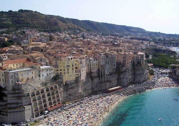 """orase """"secrete"""" din Italia Cele mai bine pazite secrete ale Italiei tropea"""